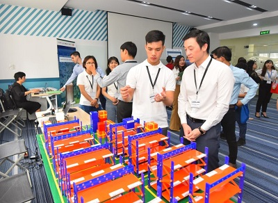 Warehouse iOT by Ho Chi Minh University of Technology